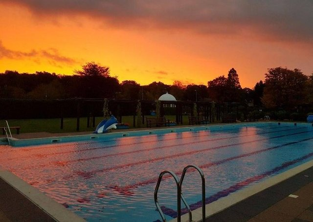 The outdoor swimming pool at Jubilee Park, Woodhall Spa.