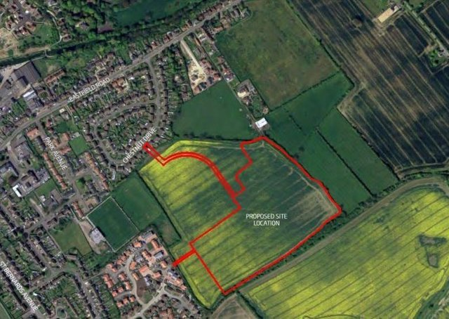 The proposed site location (in red outline) can be seen below Chestnut Drive, with Monks Dyke Road to the west.
