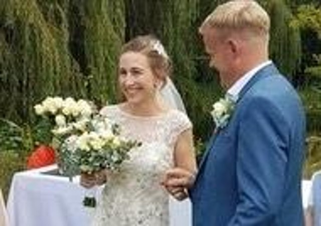 A humanist wedding EMN-200717-115307001