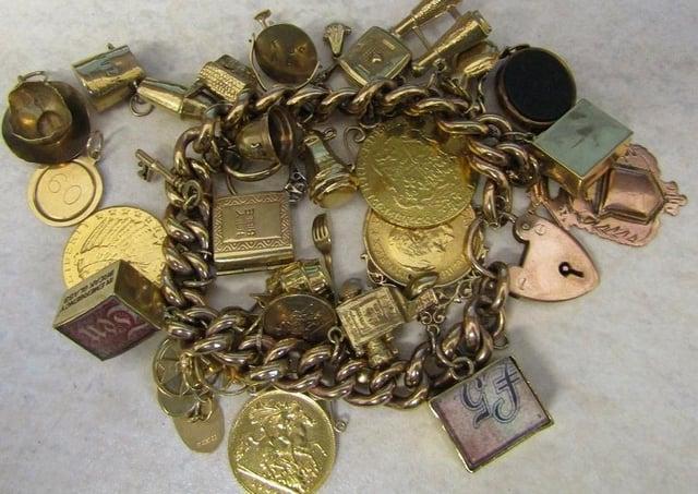Gold bracelet EMN-200724-145615001