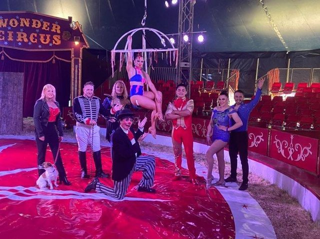 The cast of the Wonder Circus.