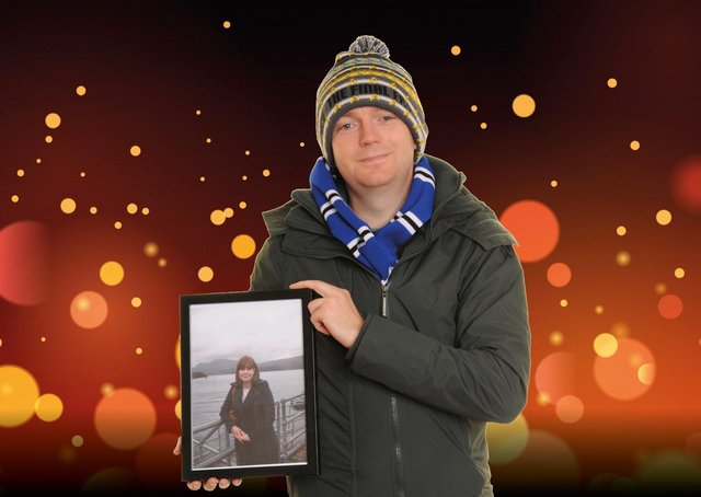 Richard Pullen holding a picture of fiancée Rachael, who died aged 24
