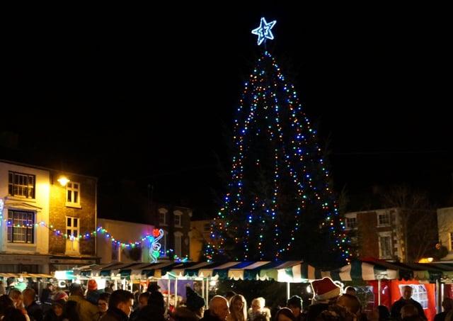 Market Rasen Christmas Tree last year EMN-201124-074530001