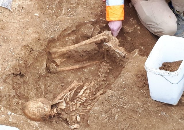 An Iron Age human skeleton found near Navenby by archaeologists working for Anglian Water. EMN-210114-093152001