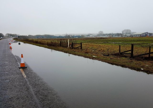 The A17 Sleaford bypass was closed westbound due to the amount of flooding on the road. Graham Potter EMN-210128-174303001
