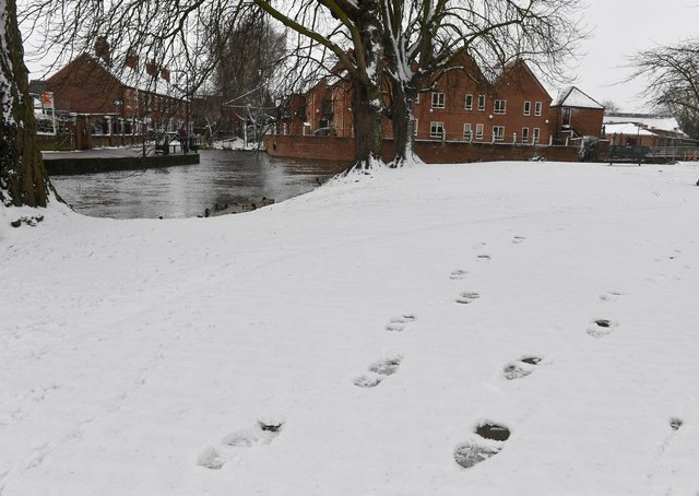 Few tracks by Eastgate Green and the river in Sleaford. EMN-210802-125842001