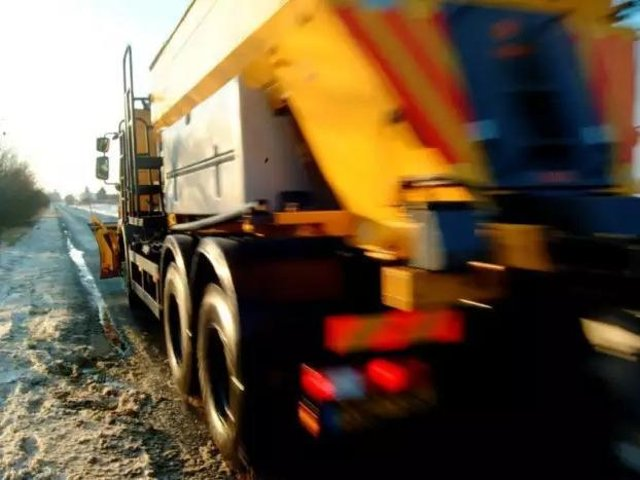 The county council highways gritters are out on routes again this morning.