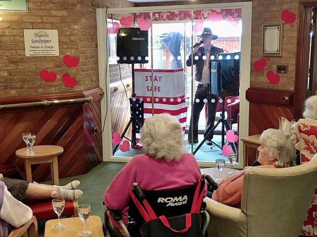 Charlie Sinclair entertained residents from the visitors' pod.