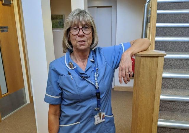 St Barnabas Hospice nurser Teresa Carter. EMN-210203-145409001