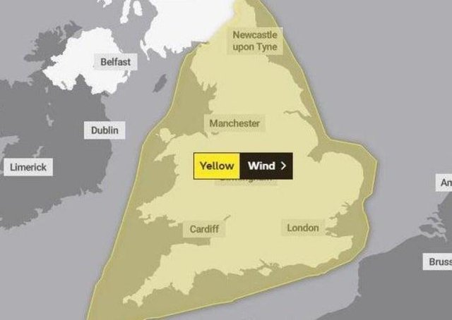 The weather warning is in place from 9pm today (Wednesday). EMN-211003-142847001