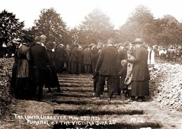 A funeral service was held for the many victims of the Louth Flood. (Photo: Louth Museum)