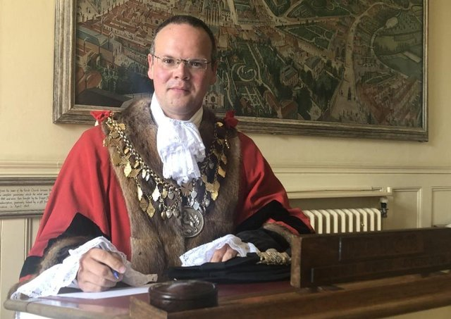 Councillor Darren Hobson will remain as the Mayor of Louth for the year.