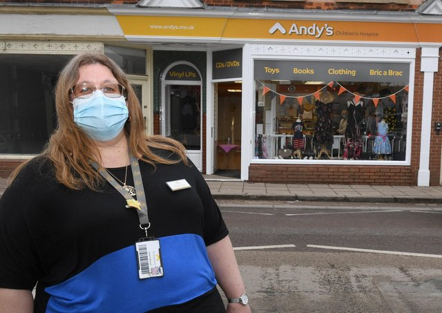 Shop manager Deborah Homer outside the new premises of Andy's charity shop on Southgate, Sleaford.  EMN-210427-120446001