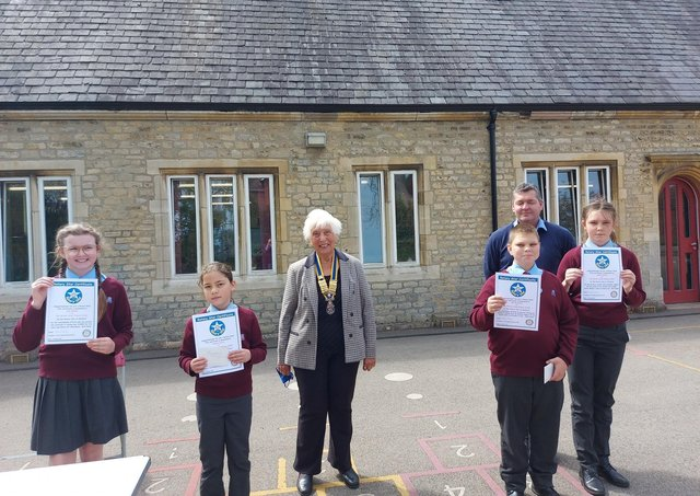 Rotary Star Awards at William Alvey School from Sleaford Rotary president Barbara Roberts, with pupils Zak, Imogen, Sophie and Lilley. EMN-210519-160217001
