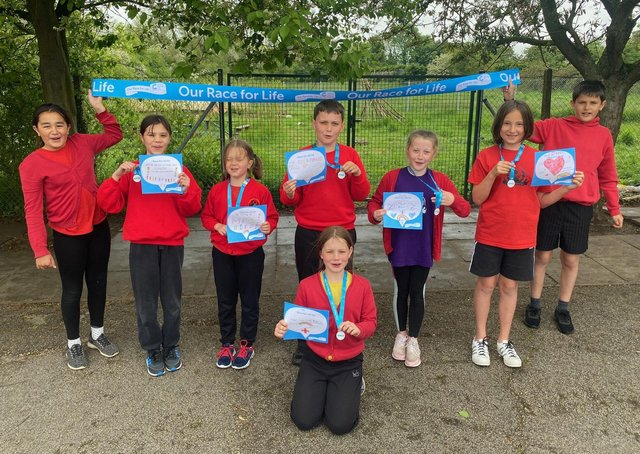 Pupils at St Andrew's School, Leasingham ran the Race For Life. EMN-210527-164423001
