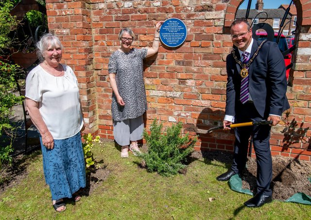 Anita Muchall (Louth Museum), Jess Mackett (Spout Yard trustees), and Mayor of Louth, Councillor Darren Hobson
