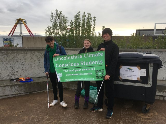 Lincolnshire Climate Conscious Students returned to the met at the weekend to clear up ELDC's blue flag beach.
