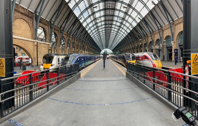 Trains at the new platforms in Kings Cross station. EMN-210806-112657001