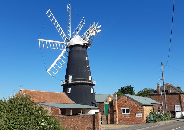 Shades have been removed from the sails at Heckington Mill to enable repair work. EMN-211006-173152001