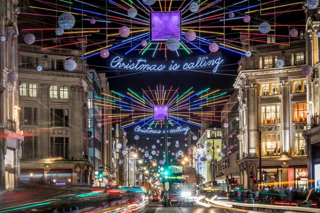 Glasgow is the biggest overall spender on Christmas decorations