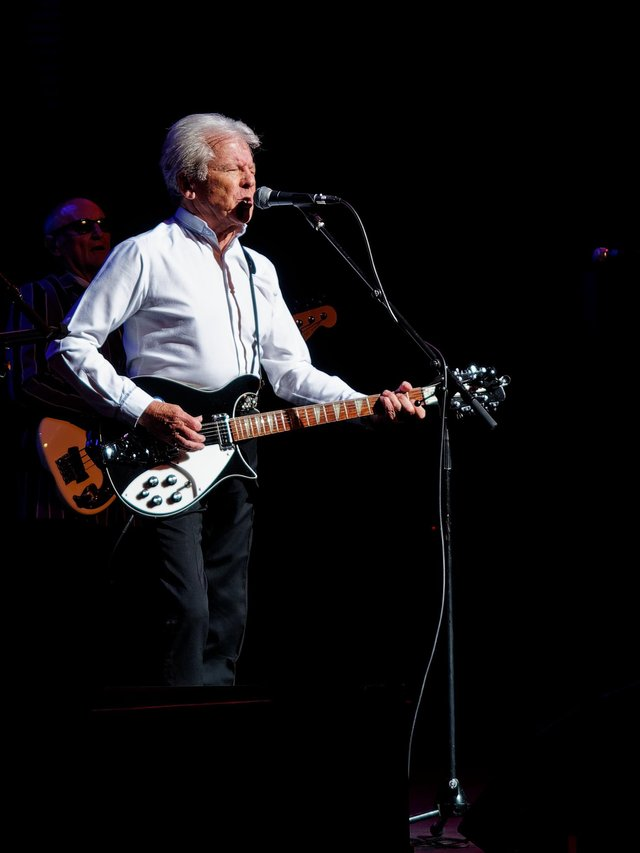 Mike Pender is one of the stars of The Sensational 60s Experience, coming to Lincolnshire in the autumn.