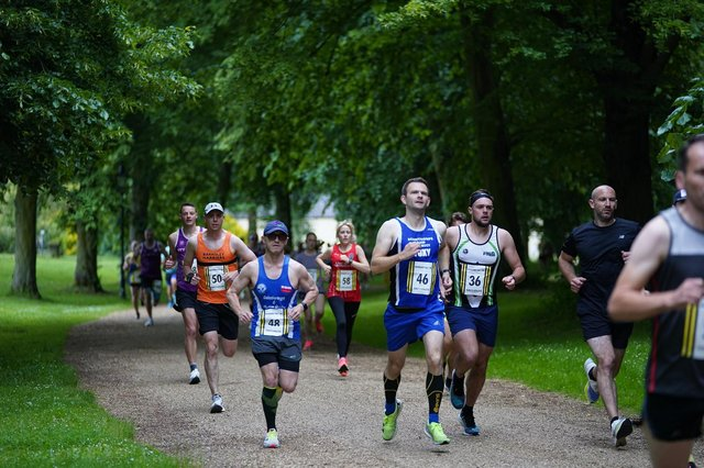 Lee Vickers at the Normanby Hall 10k. Photo: Keith Lindley.